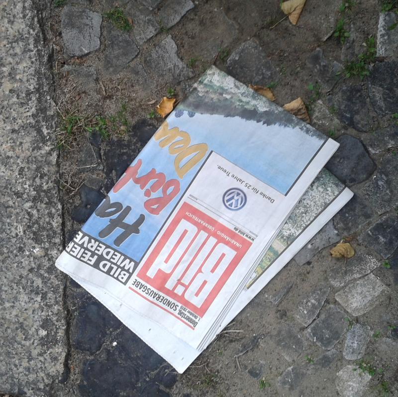 """Wegwerfprodukt: Gratis BILD Zeitung - Hilft da ein """"Bitte keine Werbung""""-Aufkleber?"""